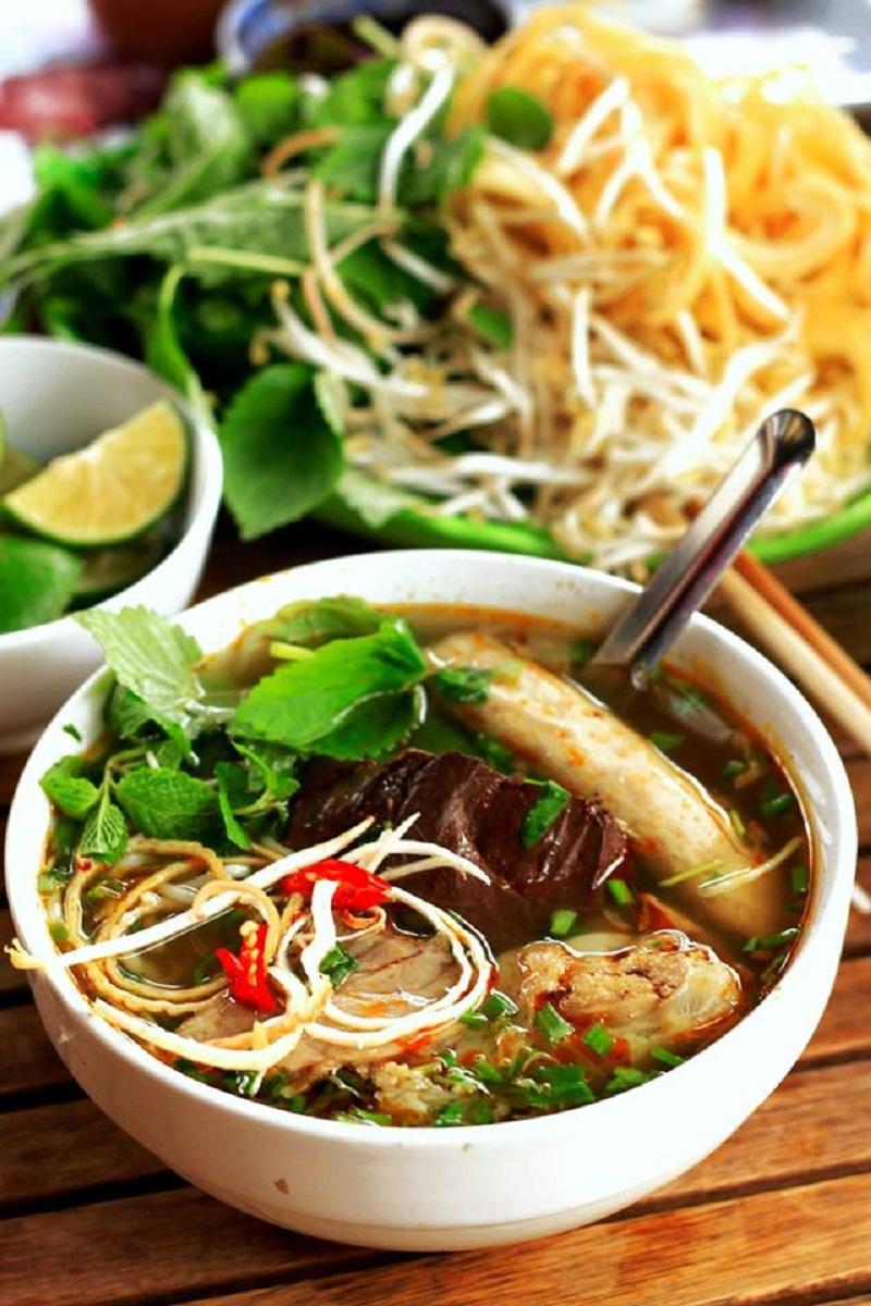 Ăn gì ở Hà Nội? Bỏ túi ngay 20 quán ăn ngon Hà Nội kèm địa chỉ nổi tiếng sau!