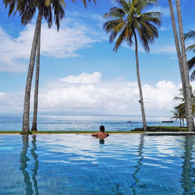 Top 8 resort Bali nghỉ dưỡng hướng biển siêu đẹp giá cả hợp lý