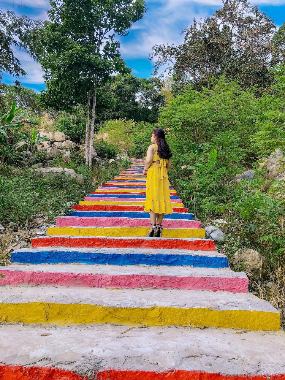 Homestay Đề Thơ: Điểm dừng chân xanh mát view biển đẹp ở Hòn Sơn